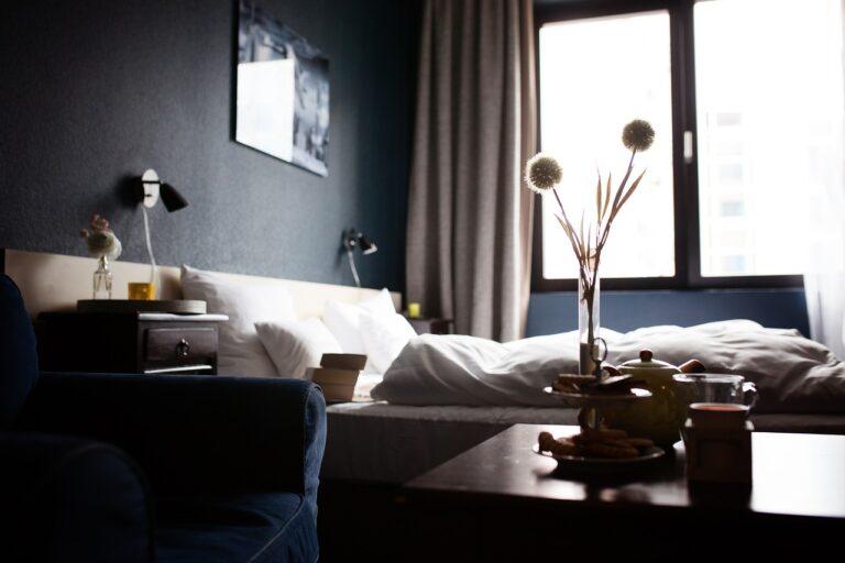 https://pixabay.com/es/photos/hotel-las-habitaciones-de-hotel-casa-1749602/